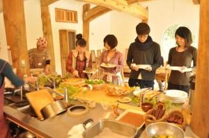 マクロビの食事風景